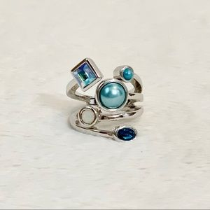NEW LISTING! Lia Sophia Jeweled Ring!